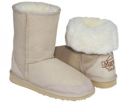 Classic Mid Ugg (Sizes 6 – 12)