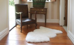 Long Wool Rug White