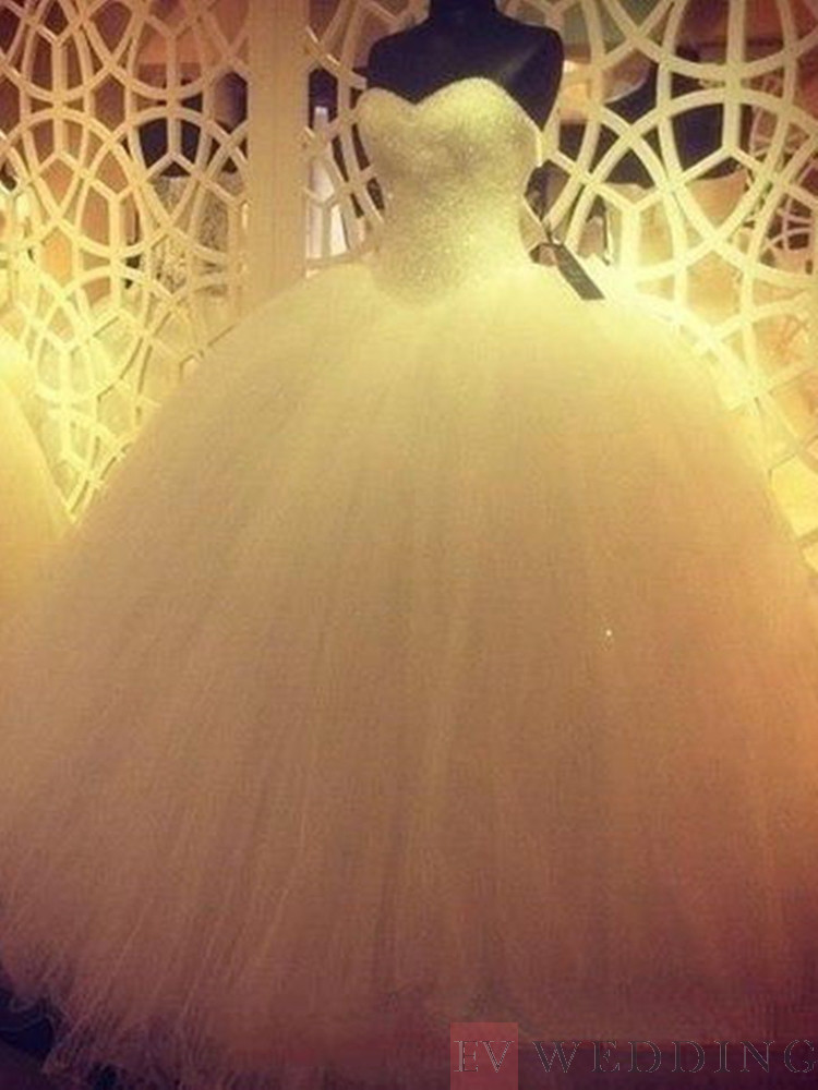 Beading Sweetheart Neck Sleeveless Ball Gown Wedding Dress