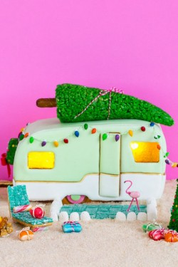56 Amazing Gingerbread Houses – Pictures of Gingerbread House Design Ideas