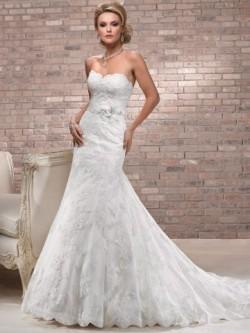 Strapless Sweetheart Scalloped Neck Floor Length Wedding Dress