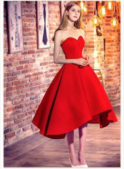 Rote Cocktailkleider Kurz Satin A Line Herz Ausschnitte Knielange Abendkleider Abendmode