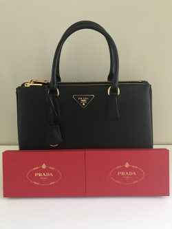 Prada Saffiano Lux 👜 & Red packets