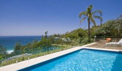 3 Bedroom Luxury Home with Pool in Whale Beach, Sydney, Australia
