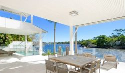 Luxury 4 Bedroom Family Villa with Pool in Noosa Heads, Australia