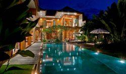 4 Bedrooms Bali Villa with Pool, Seminyak – VillaGetaways